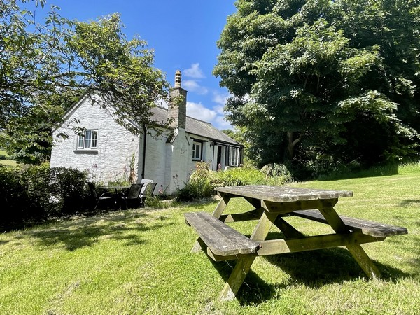 The Coach House is a cosy detached character cottage.