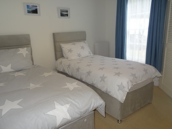 Cobbles is cosy, romantic cottage in the centre of Mevagissey.