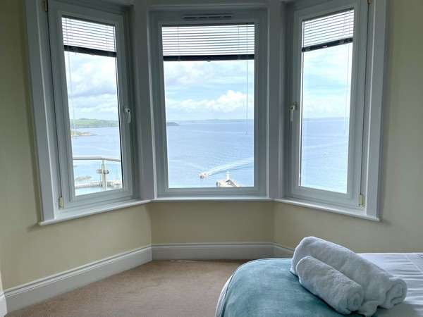 Menabilly bedroom Mevagissey