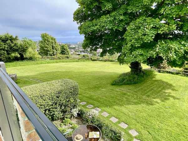 Enjoy relaxing in the sunny conservatory.